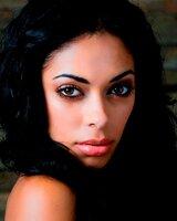 Shelley Nicole