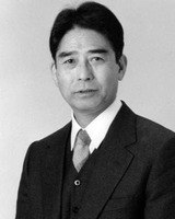 Tomo Suzuki
